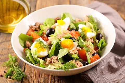 Tuna and tomato salad